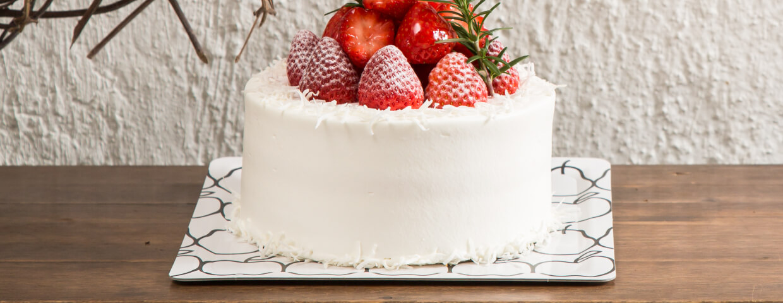 ショートケーキにカルトンキャレのMフルーツ柄を使用